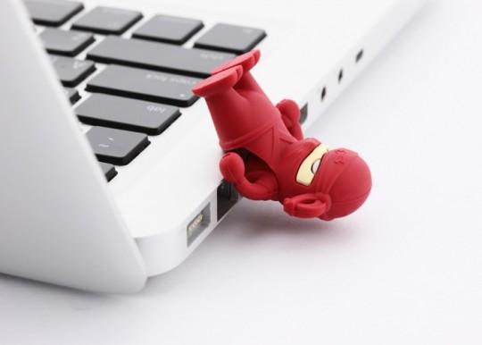 gadget-cle-usb-ninja-rouge