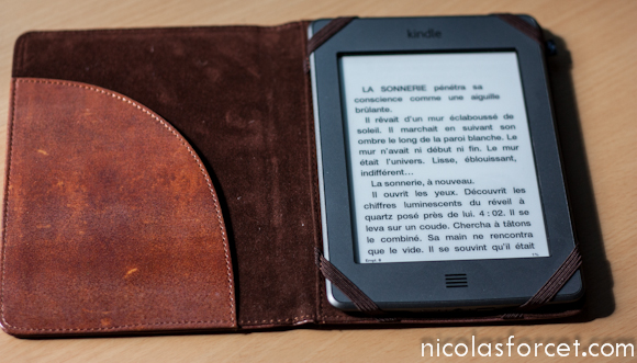 Test-Housse-Kindle-Touch-Protection-Liseuse (3)