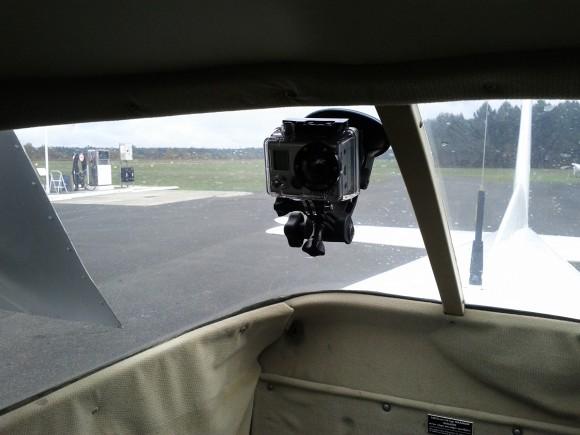 Fixer-une-gopro-dans-un-avion-de-tourisme
