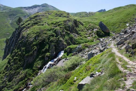 vallon de Magnabaigt cascade passage a gué