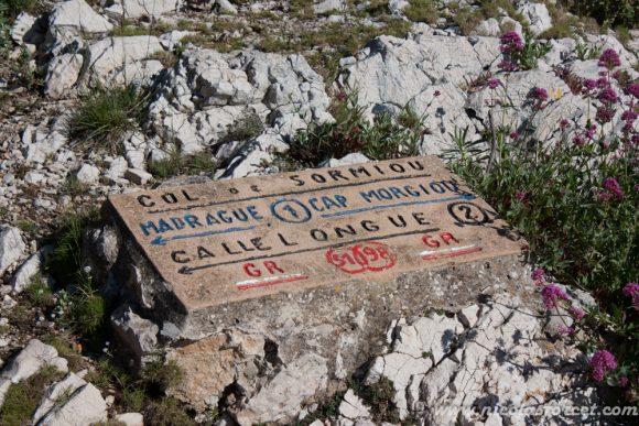 4e - Dalle avec sentier balises calanques Marseille