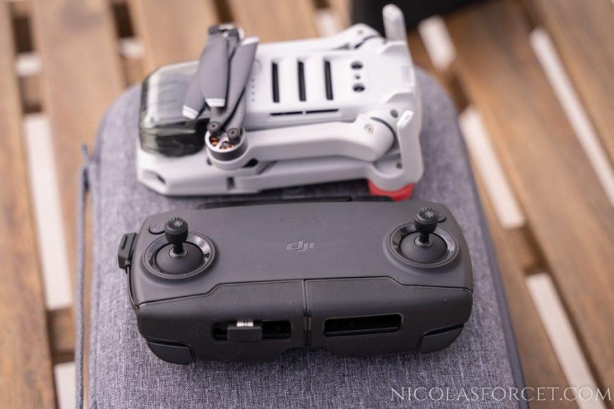 Drone-DJI-Mavic-Mini-fly-more-combo-telecommande